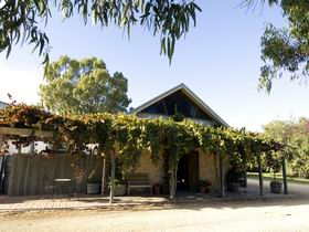 Lake Breeze Wines - Attractions Sydney