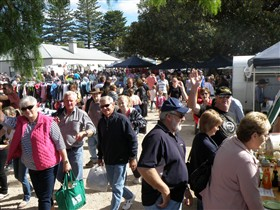 Stansbury Seaside Markets