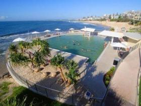 Kings Beach - Beachfront Salt Water Pool - Attractions Sydney