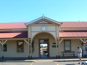 Maryborough Railway Station - Attractions Sydney