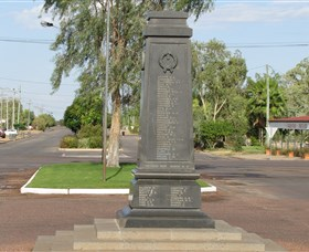 Winton War Memorial - Attractions Sydney