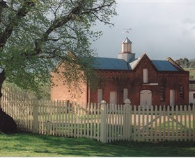Cooma Cottage - Attractions Sydney