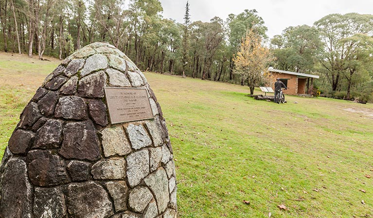 Major Clews Hut walking track - Attractions Sydney