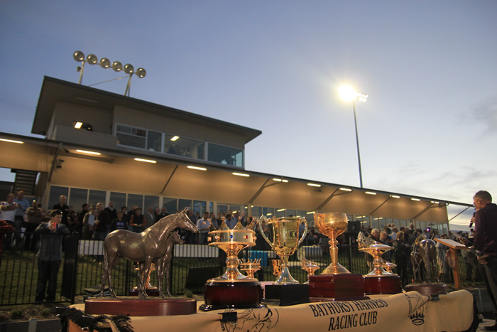 Bathurst Harness Racing Club - Attractions Sydney