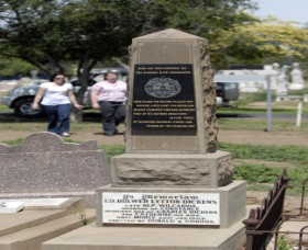 Historical Cemetery Moree - Attractions Sydney
