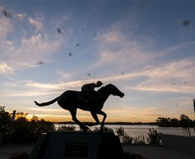 Black Caviar Statue - Attractions Sydney