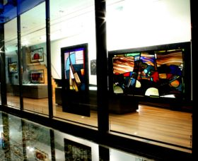 National Art Glass Collection - Attractions Sydney