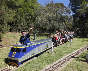 Willans Hill Miniature Railway - Attractions Sydney