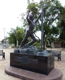 Miners Memorial Statue - Attractions Sydney