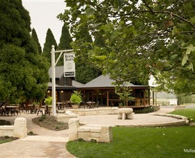 Bendooley Estate Book Barn - Attractions Sydney