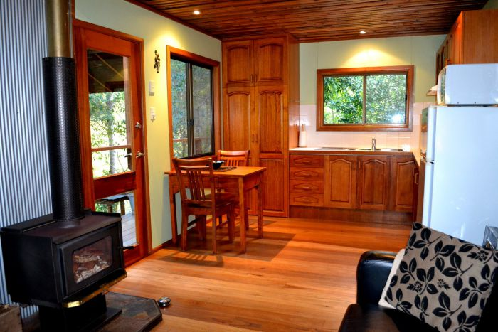 Waterfall Hideout-Rainforest Cabin for Couples - Attractions Sydney