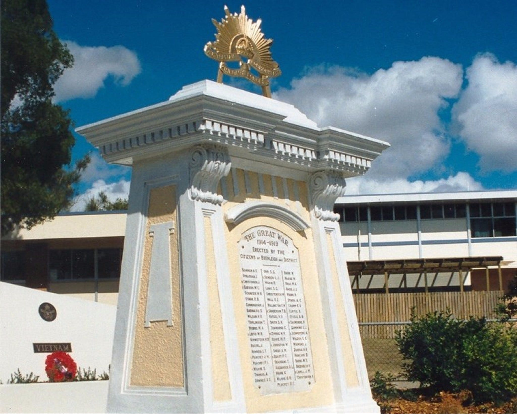 Beenleigh War Memorial - Attractions Sydney