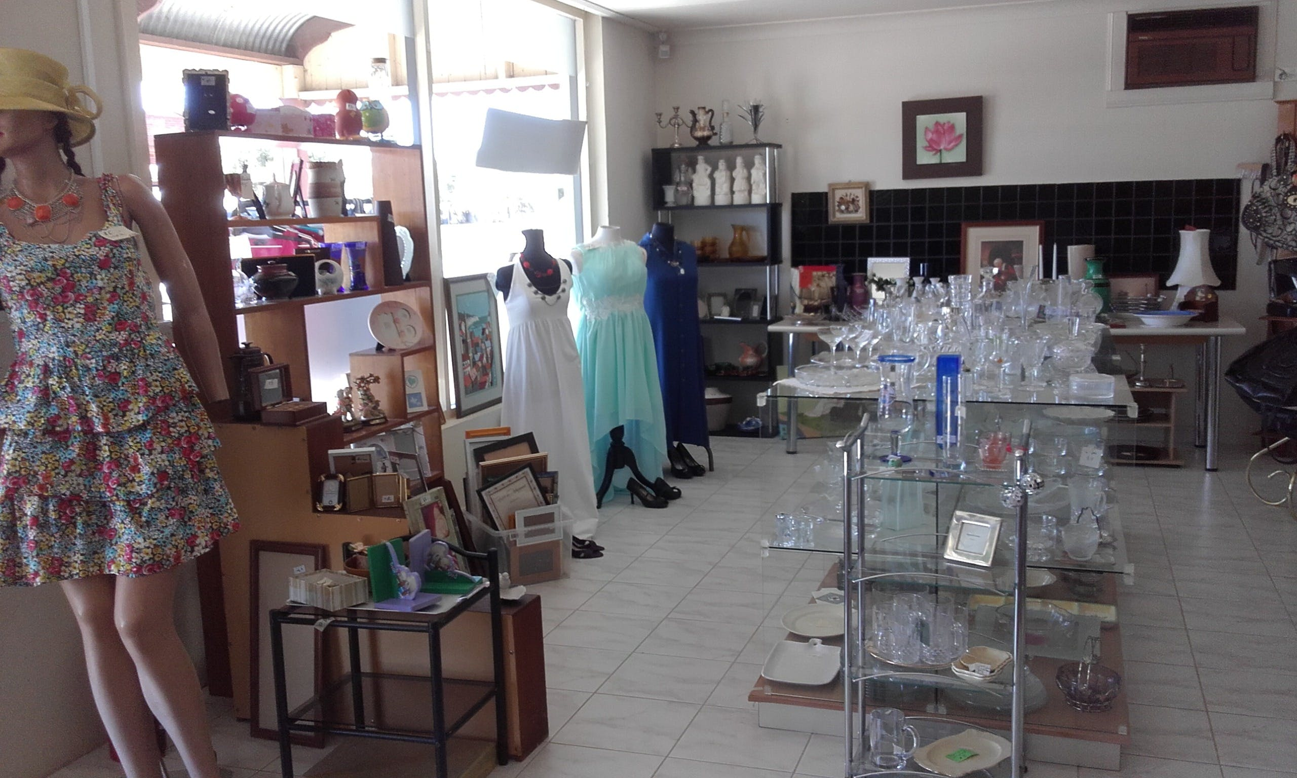 Hunters Haven Anglican Op Shop - Attractions Sydney