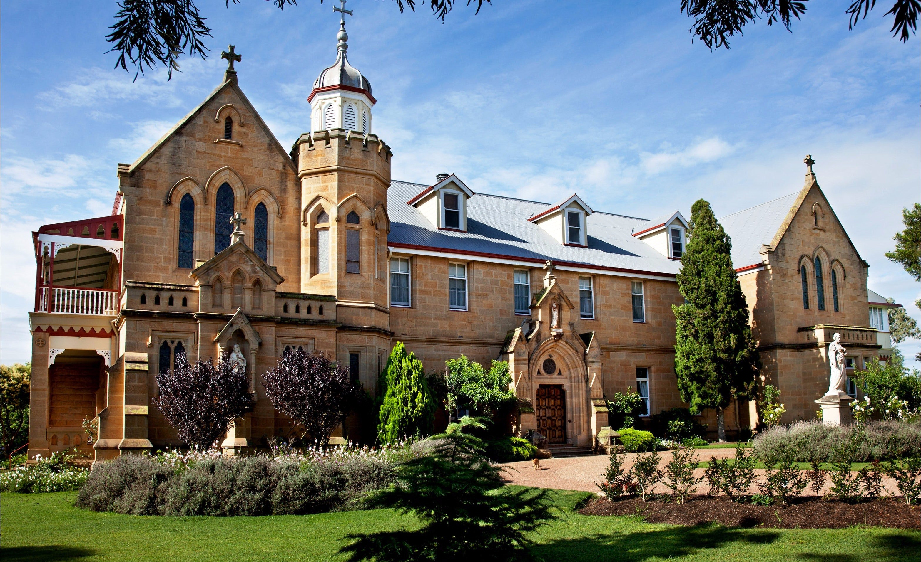 Abbey of the Roses - Attractions Sydney