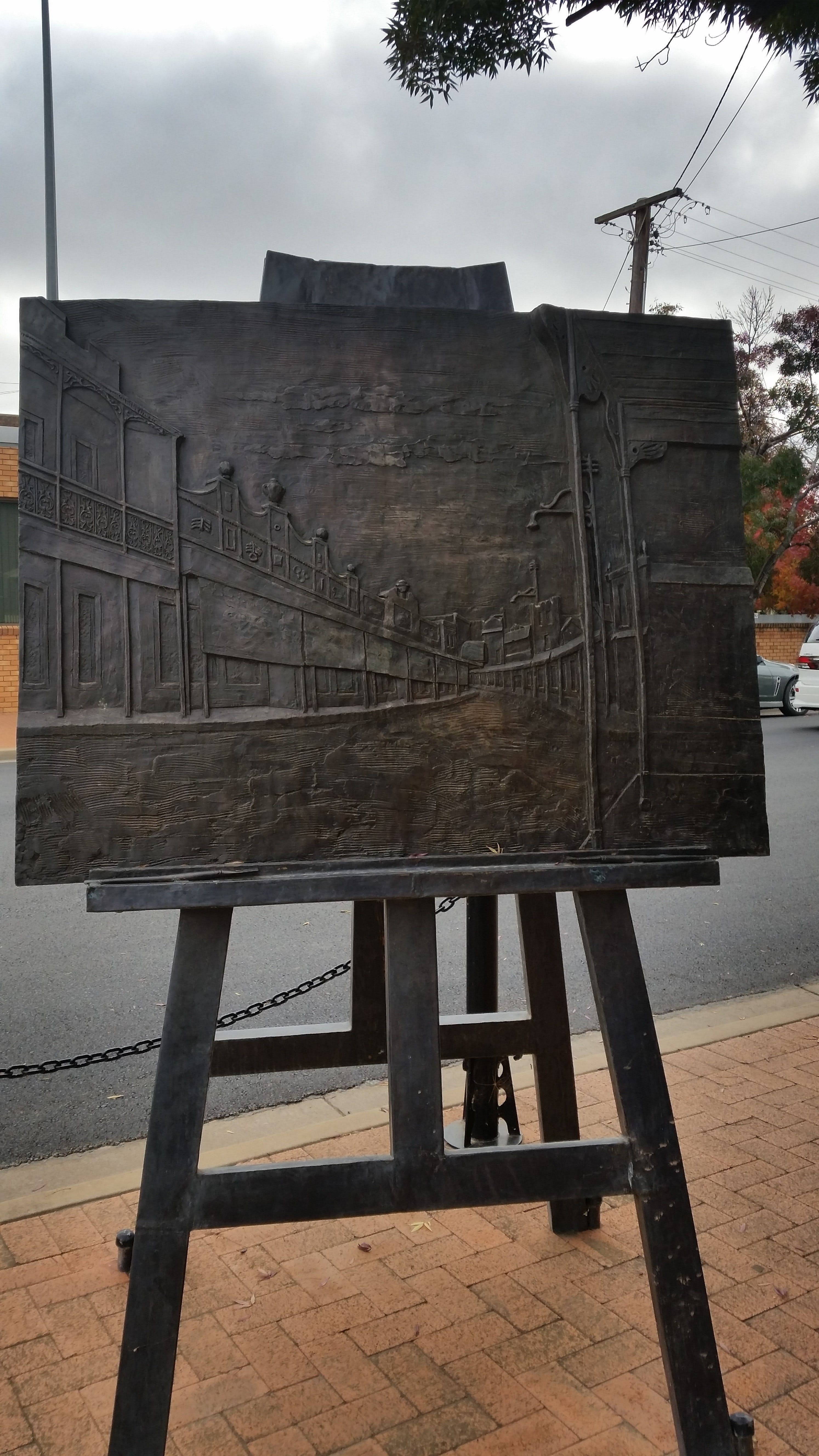 Russell Drysdale Easel Sculpture - Attractions Sydney